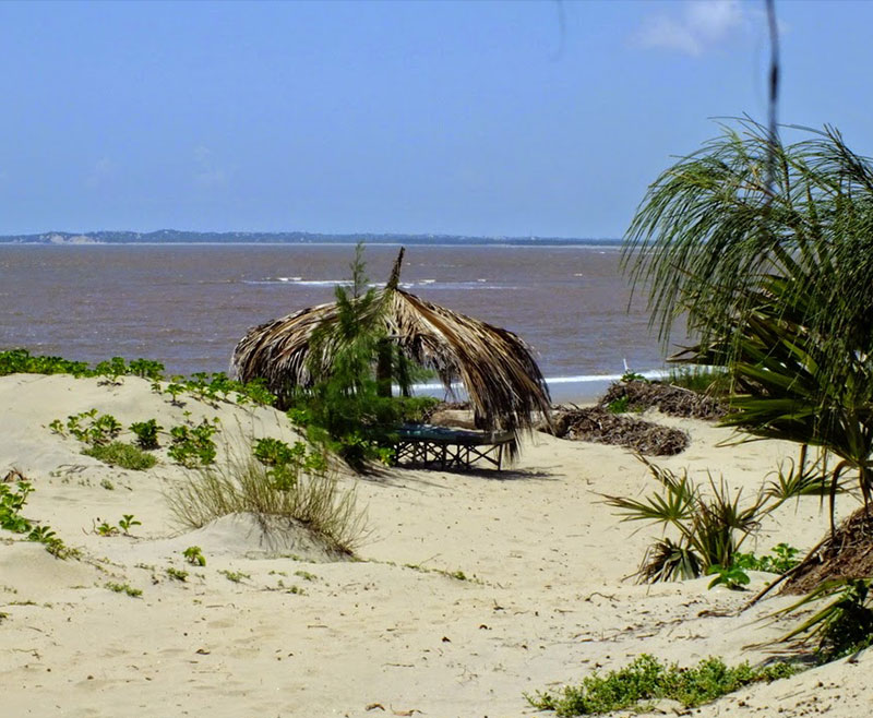 Spiaggia-Dorata-Isola-di-Robinson–Marafa-Canyon-2